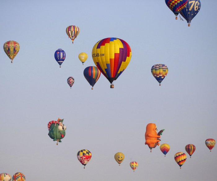 Balloons take flight at New Jersey balloon festival
