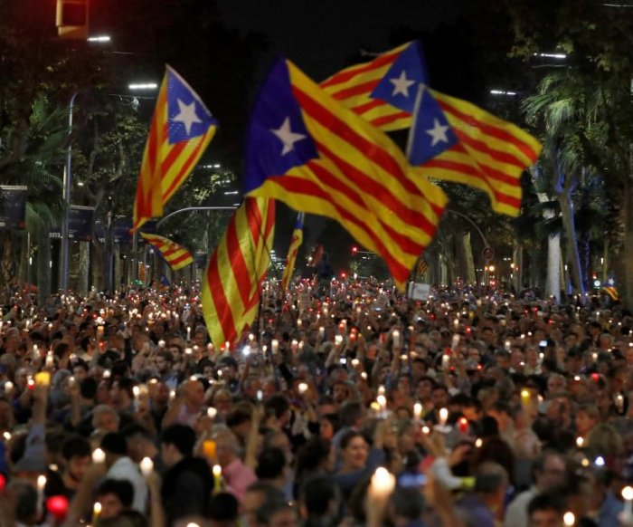 Spain plans to remove Catalonia's leaders, control region