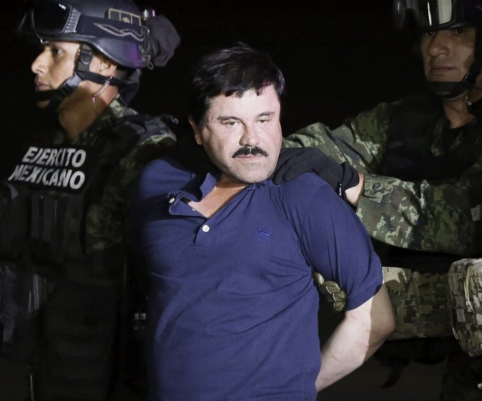 Drug kingpin 'El Chapo' extradited to U.S. to face charges