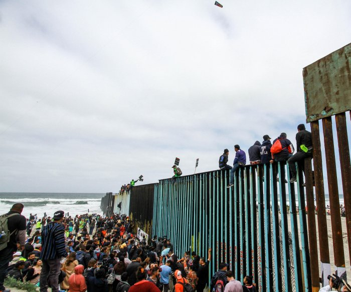 Poll: Most Americans against constructing more border walls