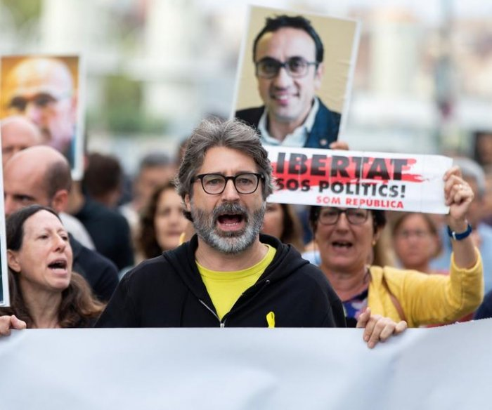 Spain high court gives 9 prison for Catalan independence efforts