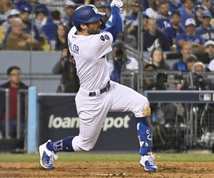 Chris Taylor hits three homers as Dodgers beat Braves in Game 5 of NLCS