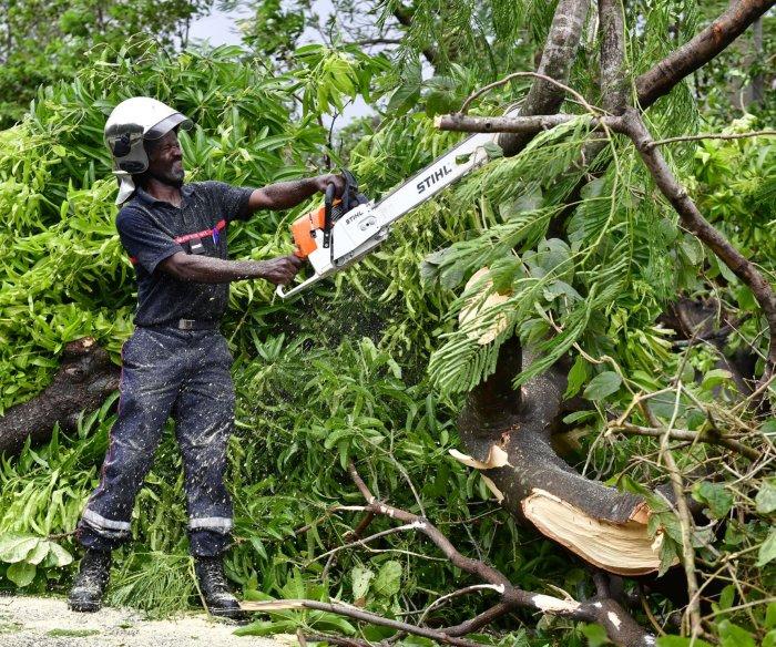 Hurricane Maria kills 1 in Guadeloupe, devastates Dominica