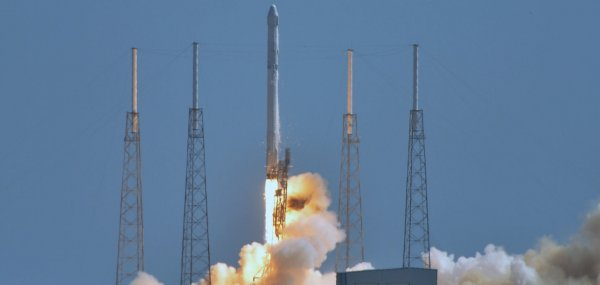 SpacEx rocket explodes shortly after launch