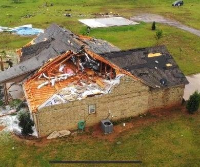 Flooding prompts dramatic water rescues after tornadoes hit Oklahoma, Texas