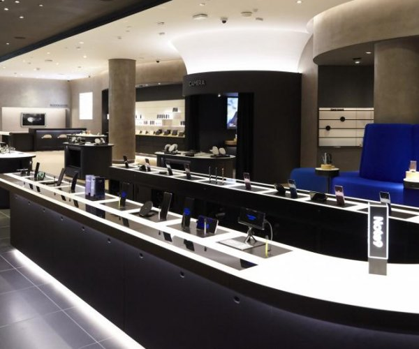 Samsung opens first retail stores in U.S. -- in NYC, LA and Houston