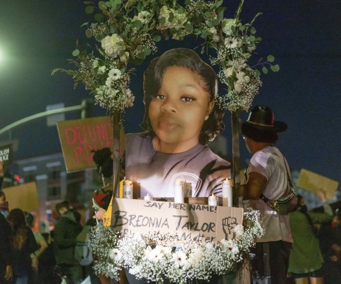 Breonna Taylor decision spurs new protests across U.S.