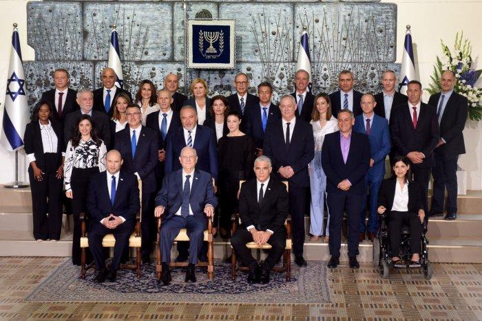 Israeli parliament votes in new prime minister