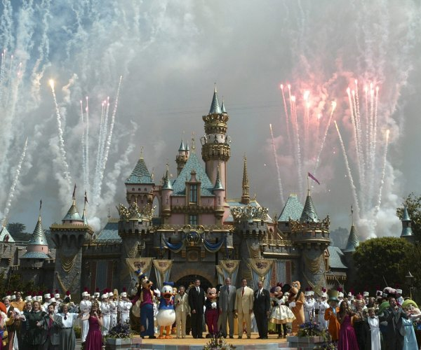 California's amusement parks could reopen April