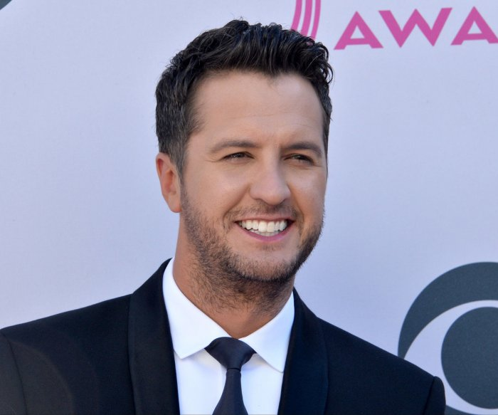 Luke Bryan wins top prize at 56th Academy of Country Music Awards