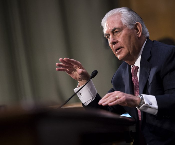 U.S. Senate committee approves Tillerson for secretary of state
