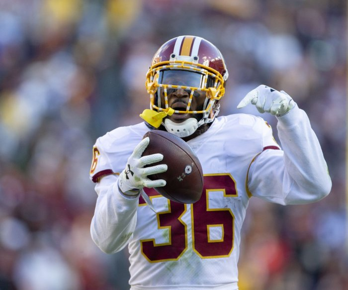 Redskins on top of NFC East after narrow win over Cowboys