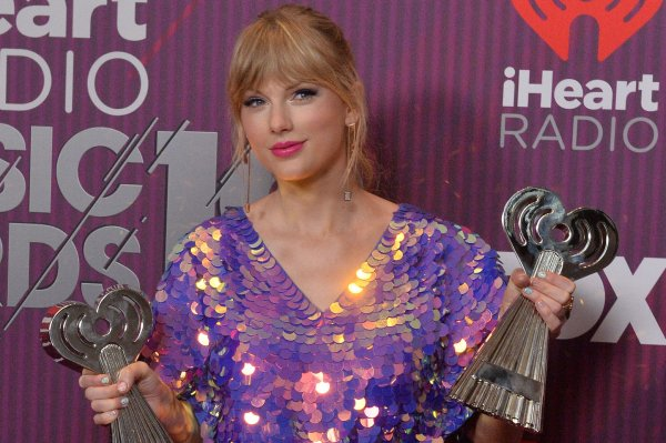 Taylor Swift, Alicia Keys win at the iHeartRadio Music Awards
