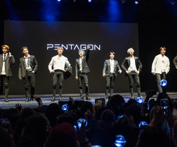 Pentagon shows its colors at 'Prism' world tour