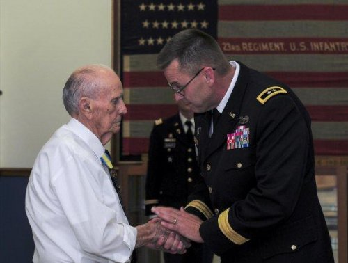 Korean War vet decorated 61 years after service