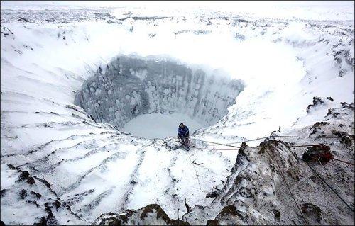 Scientists rappel into Siberia