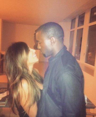Kim Kardashian, Kanye West return to Italy for wedding anniversary