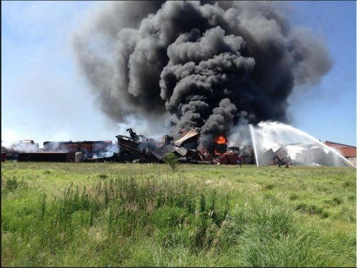 2 workers found dead in Texas rail crash, 1 missing