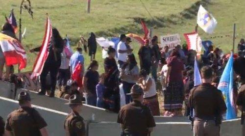 Native Americans protest over North Dakota oil pipeline