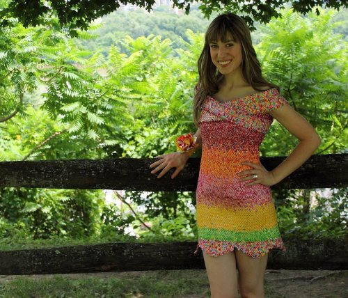 Pennsylvania-woman-crafts-dress-out-of-10,000-Starburst-wrappers