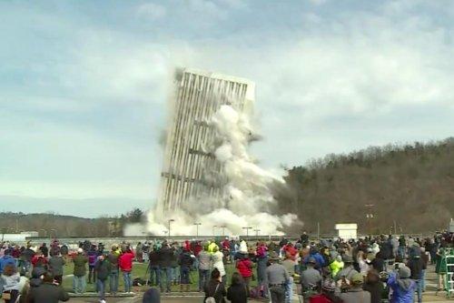 Kentucky-demolishes-capital's-tallest-building