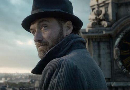 'Fantastic-Beasts-2'-trailer:-Dumbledore-teams-up-with-Scamander