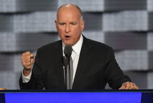 Gov.-Brown-signs-law-making-California-a-sanctuary-state