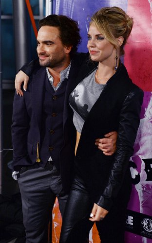 'Big Bang Theory' star Johnny Galecki, Kelli Garner break up