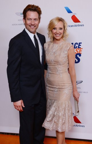 Anne-Heche,-James-Tupper-split-after-10-years-together