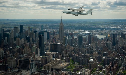 Manhattan's rich get richer, poor get poorer, at widest gap in the U.S.