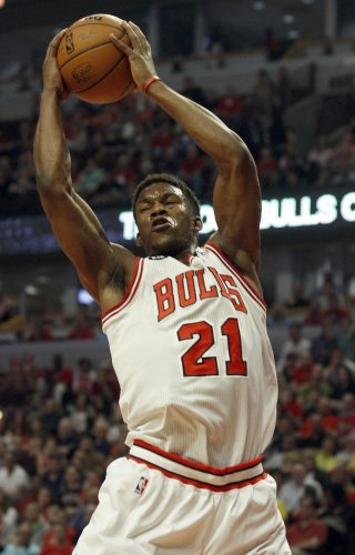 Jimmy Butler, Derrick Rose carry Bulls past Celtics in matinee