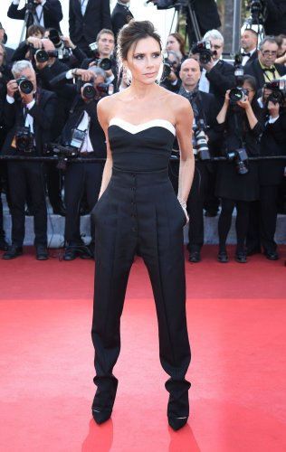 Victoria-Beckham-says-she-regrets-having-breast-implants