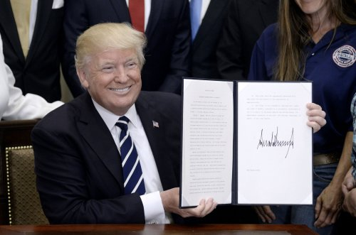 Trump-expected-to-sign-executive-order-to-overhaul-ACA-rules
