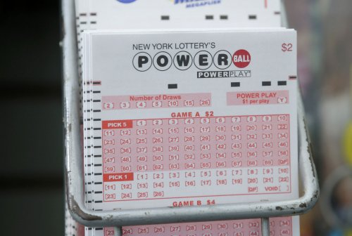 Powerball drawing offers $422M jackpot