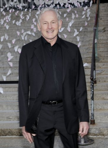 Victor-Garber-to-depart-The-CW's-'Legends-of-Tomorrow'