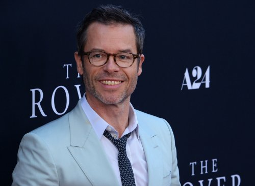 Guy Pearce, Carice van Houten welcome first child