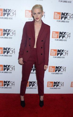 Kristen-Stewart-reportedly-dating-Cara-Delevigne's-ex,-St.-Vincent