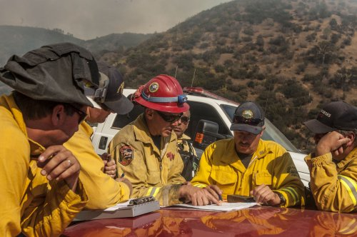 Wildfire in Northern California threatening 2,600 buildings
