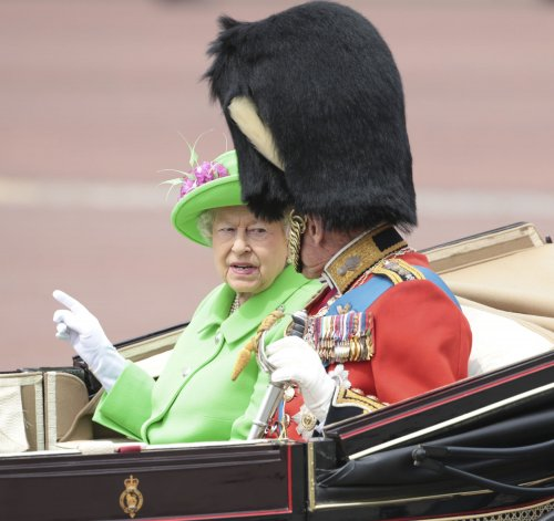 Yorkshire resident calls police on Queen Elizabeth for not wearing seatbelt