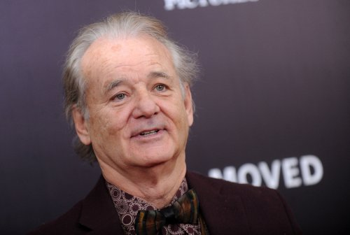 Bill-Murray-cheers-on-son's-team-Xavier-University-during-March-Madness