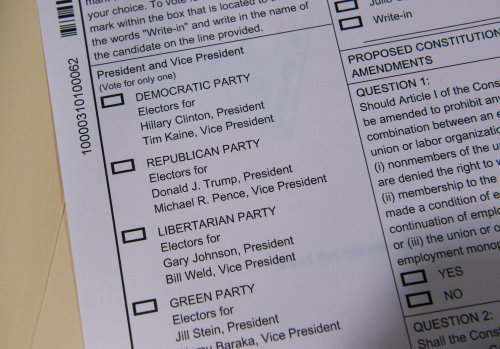 Dozens-of-states-tighten-election-security----by-going-back-to-paper