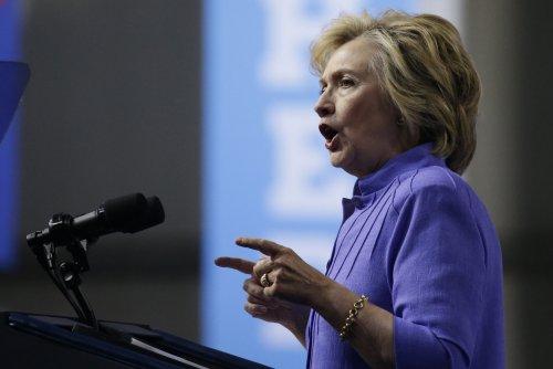 Clinton unveils plans to address mental illness in U.S.