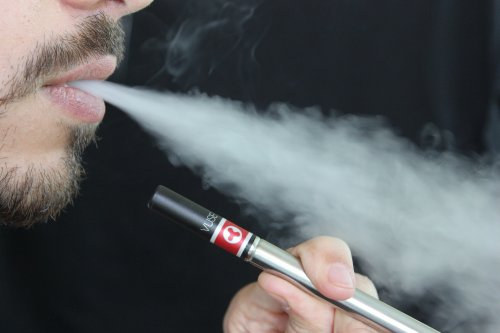 Exploding-e-cigarette-kills-Florida-man;-first-case-in-U.S.