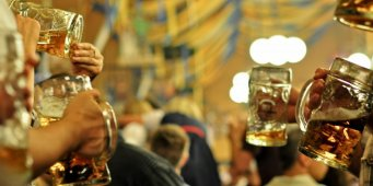 Munich mayor practicing to tap Oktoberfest keg
