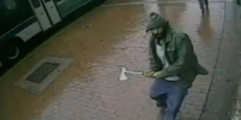 Hatchet-wielding man shot dead after attacking NYC police officers [VIDEO]