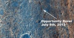 Color photo captures Opportunity rover as it journeys across Mars