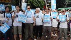 Pro-Beijing rally in Hong Kong draws thousands
