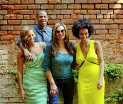 Beyonce shares family photos with Jay Z and Solange after elevator incident