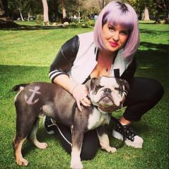 Kelly Osbourne faces $50K suit for dog poop-filled apartment