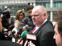 Toronto Star reporter serves Mayor Rob Ford with libel notice for calling him a pedophile